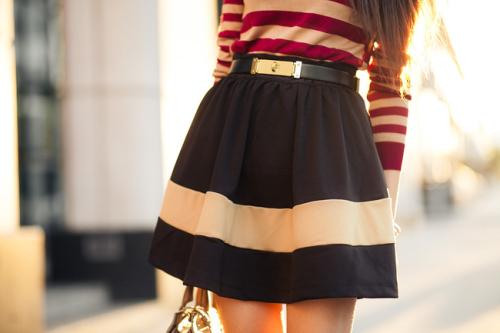 Почему юбку одевают через голову